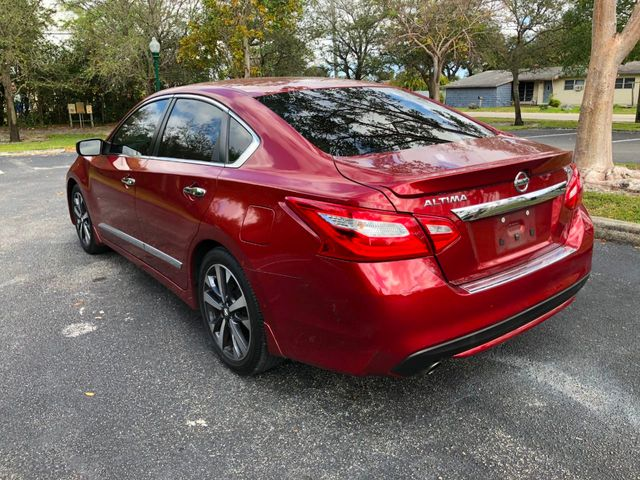 2017 Nissan Altima 2.5 SR - Click to see full-size photo viewer