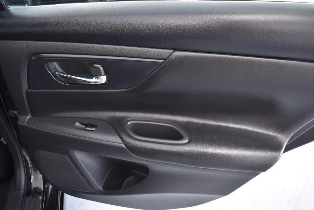2017 Nissan Altima S - 18310956 - 19