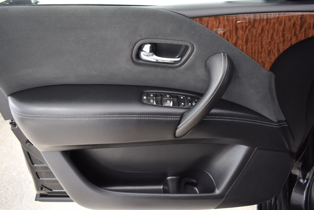 2017 Nissan Armada 4x2 SL - 18439613 - 19