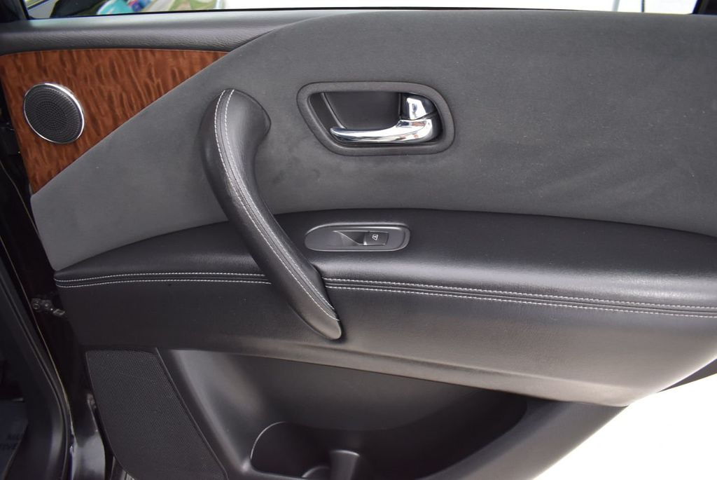 2017 Nissan Armada 4x2 SL - 18439613 - 25