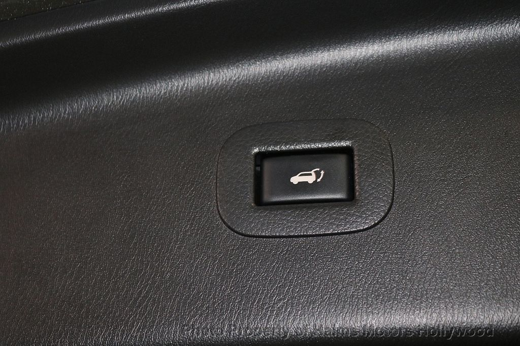 2017 Nissan Armada 4x2 SV - 18271922 - 9