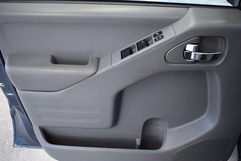 2017 Nissan Frontier  - 18423367 - 13