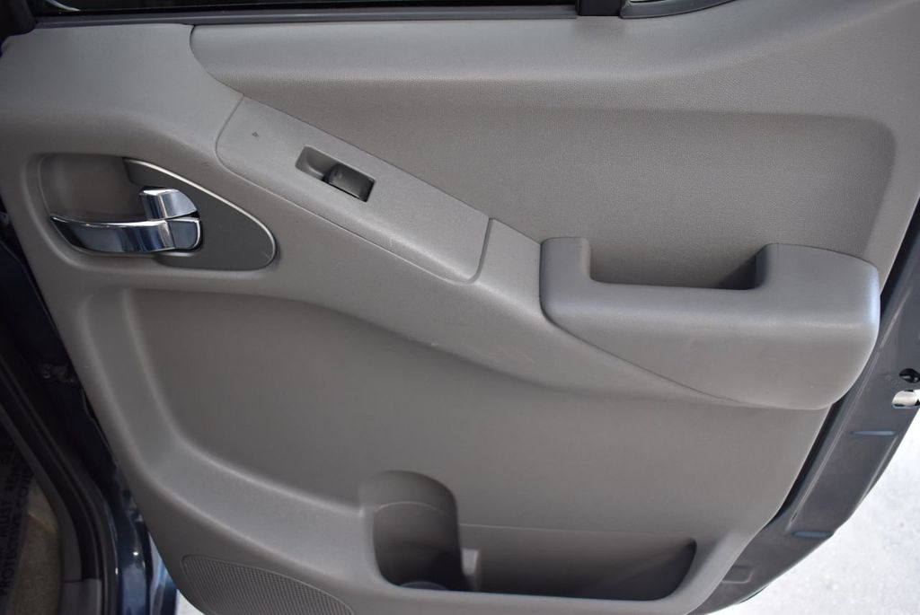 2017 Nissan Frontier  - 18423367 - 21