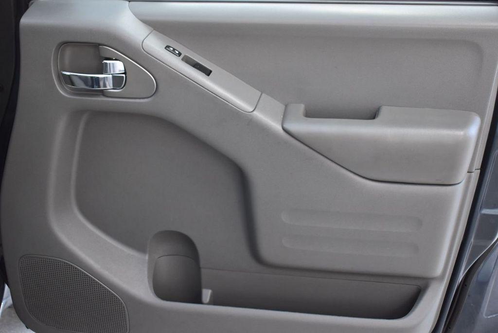 2017 Nissan Frontier  - 18423367 - 22