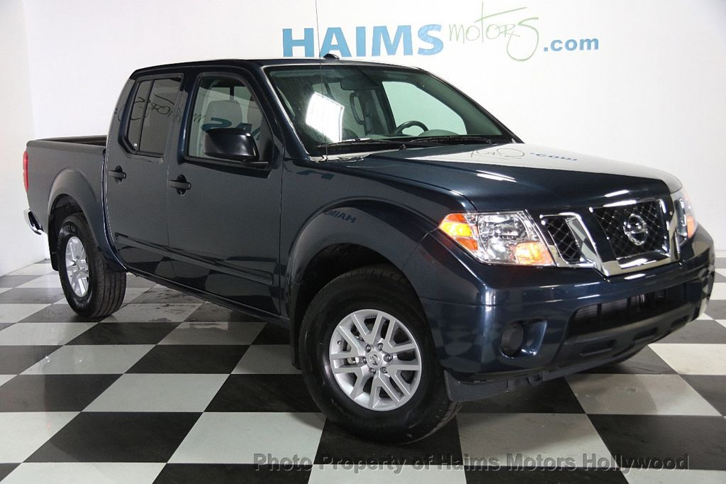 2017 Nissan Frontier 2017.5 Crew Cab 4x4 SV V6 Automatic - 17120750 - 3