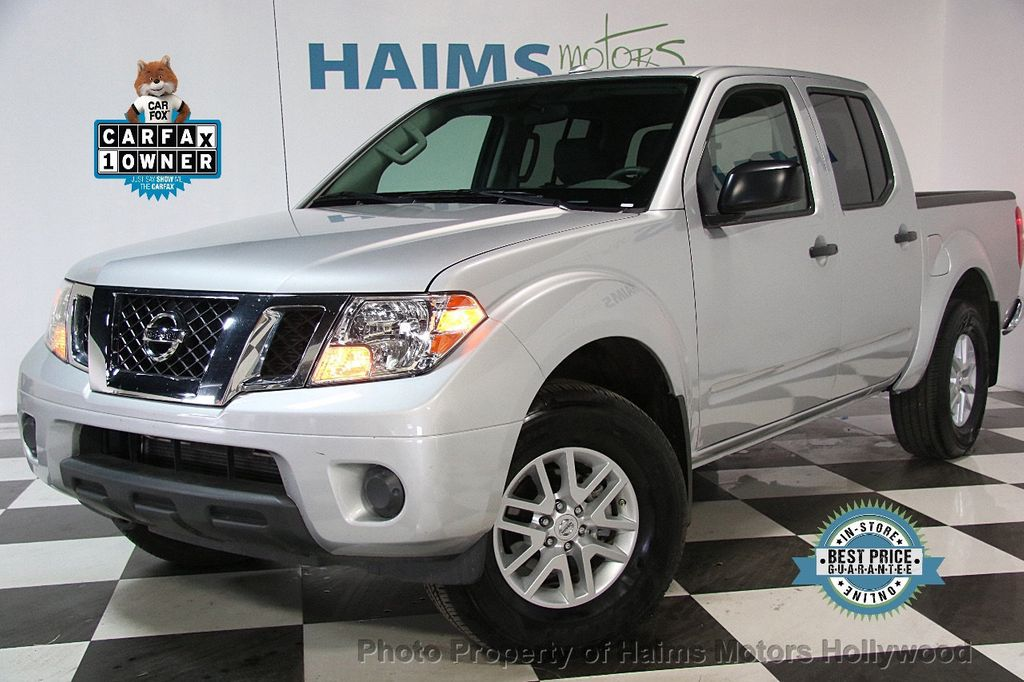 2017 Used Nissan Frontier 2017 5 Crew Cab 4x4 SV V6 Automatic at