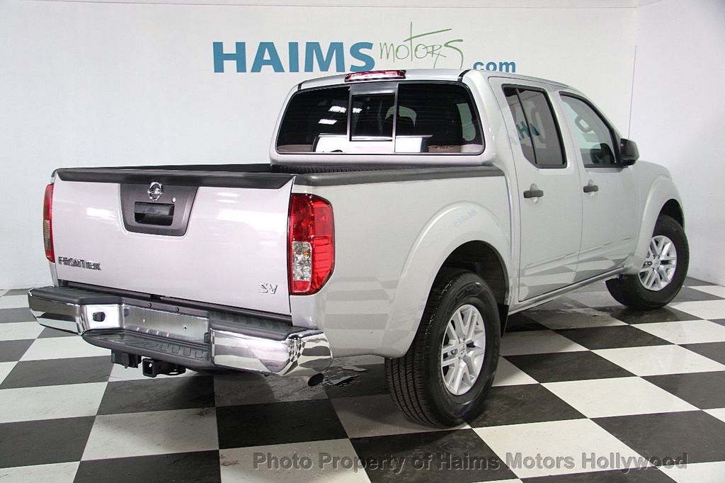 2017 Nissan Frontier Crew Cab 4x2 SV V6 Automatic   16917108   6
