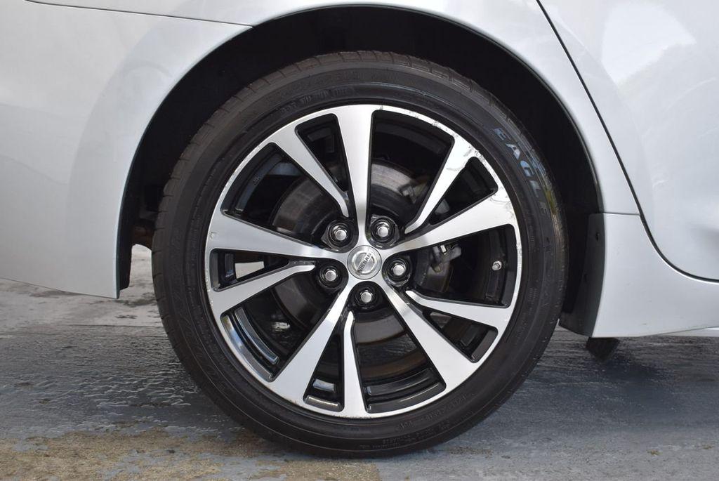2017 Nissan Maxima SV - 18439615 - 9