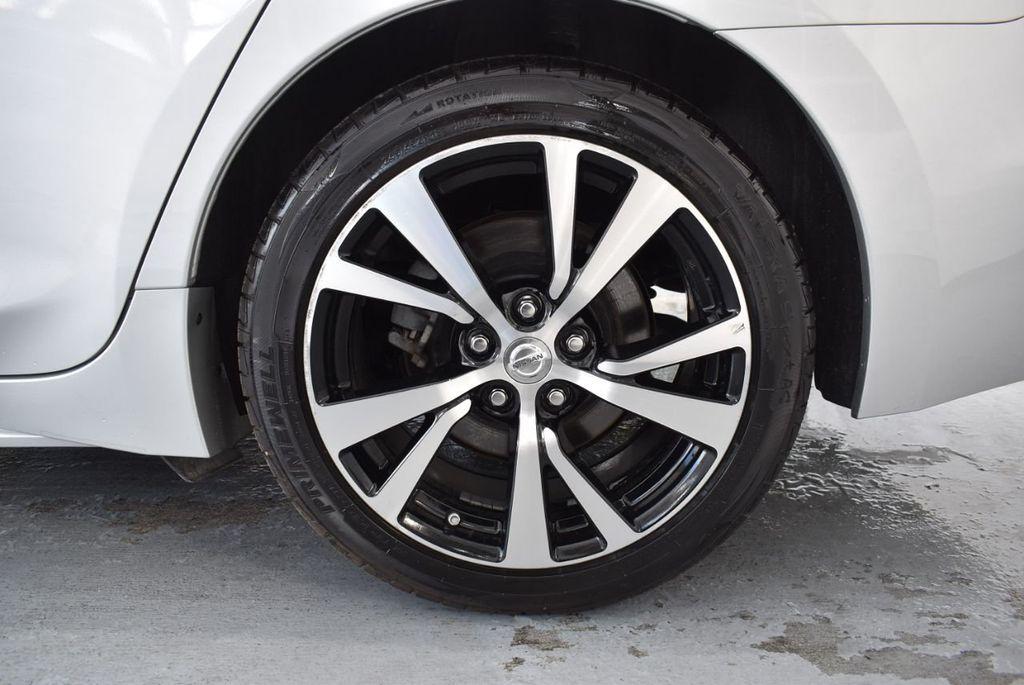 2017 Nissan Maxima SV - 18439615 - 10