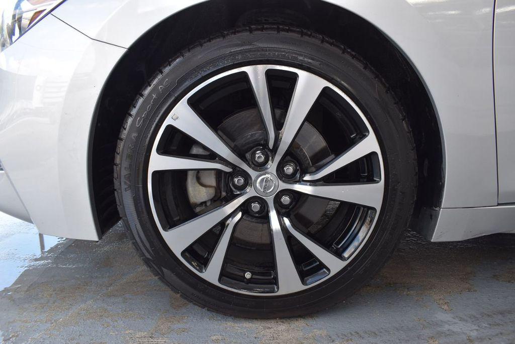 2017 Nissan Maxima SV - 18439615 - 11