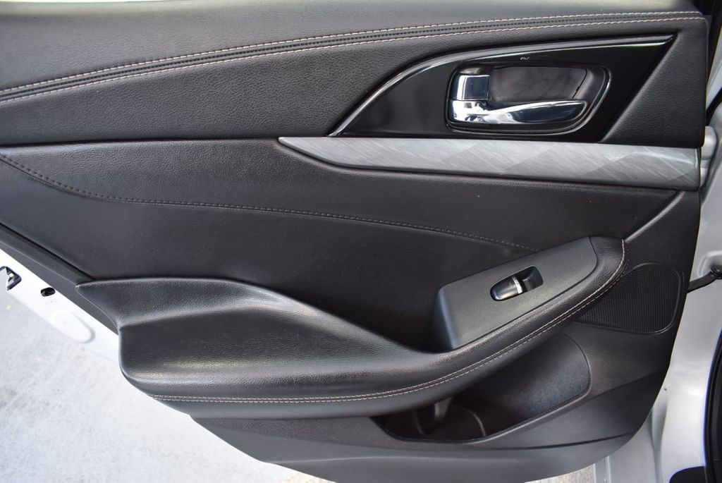 2017 Nissan Maxima SV - 18439615 - 13