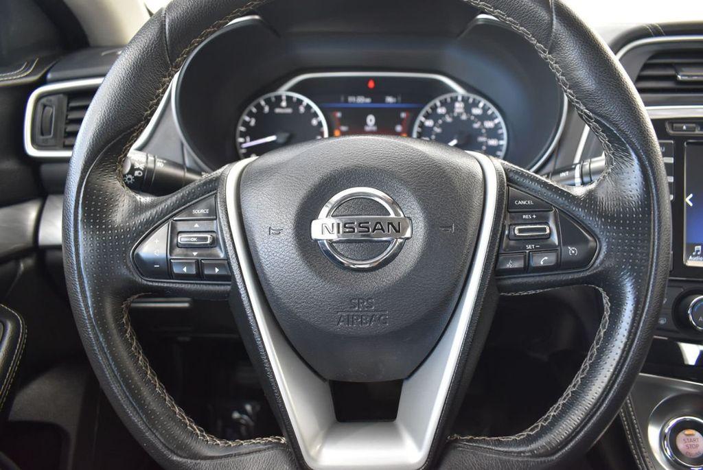 2017 Nissan Maxima SV - 18439615 - 17