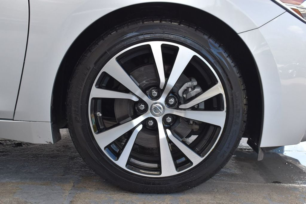 2017 Nissan Maxima SV - 18439615 - 8