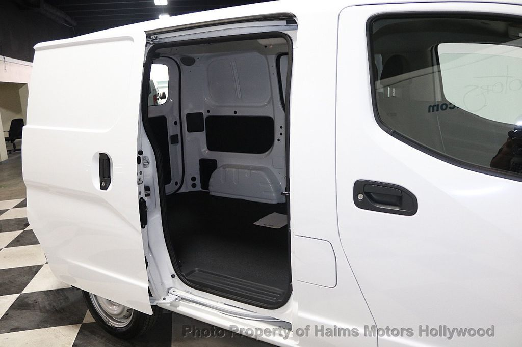 2017 Nissan NV200 Compact Cargo VERY LOW MILES - 17933784 - 13