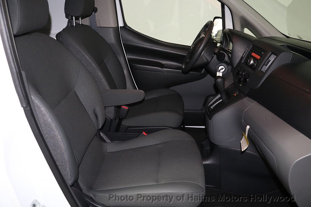 2017 Nissan NV200 Compact Cargo VERY LOW MILES - 17933784 - 15