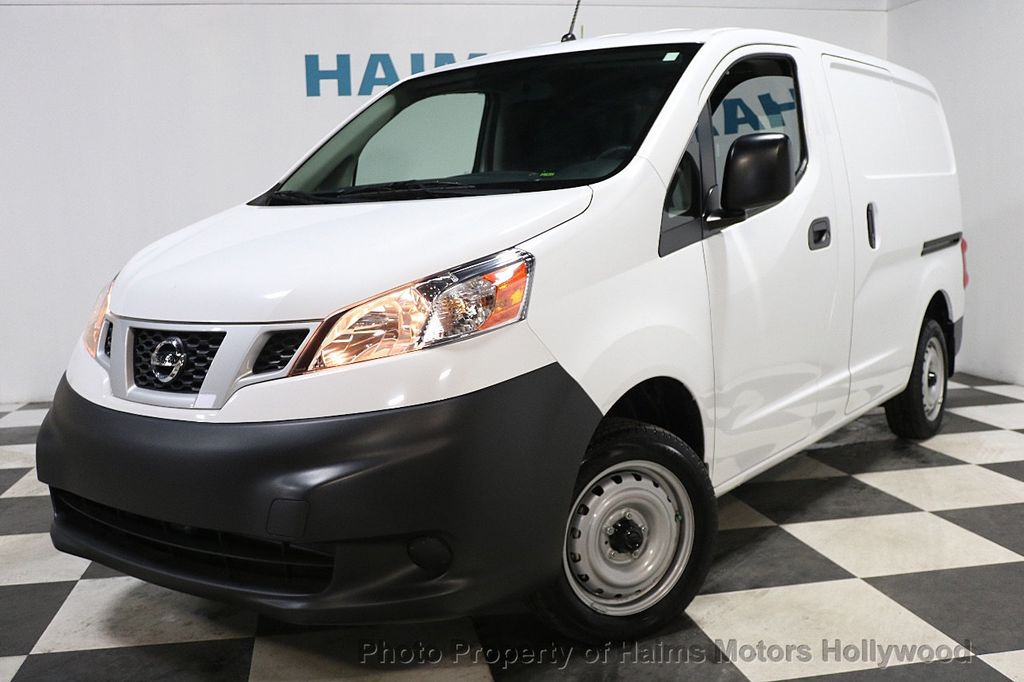 2017 Nissan NV200 Compact Cargo VERY LOW MILES - 17933784 - 1