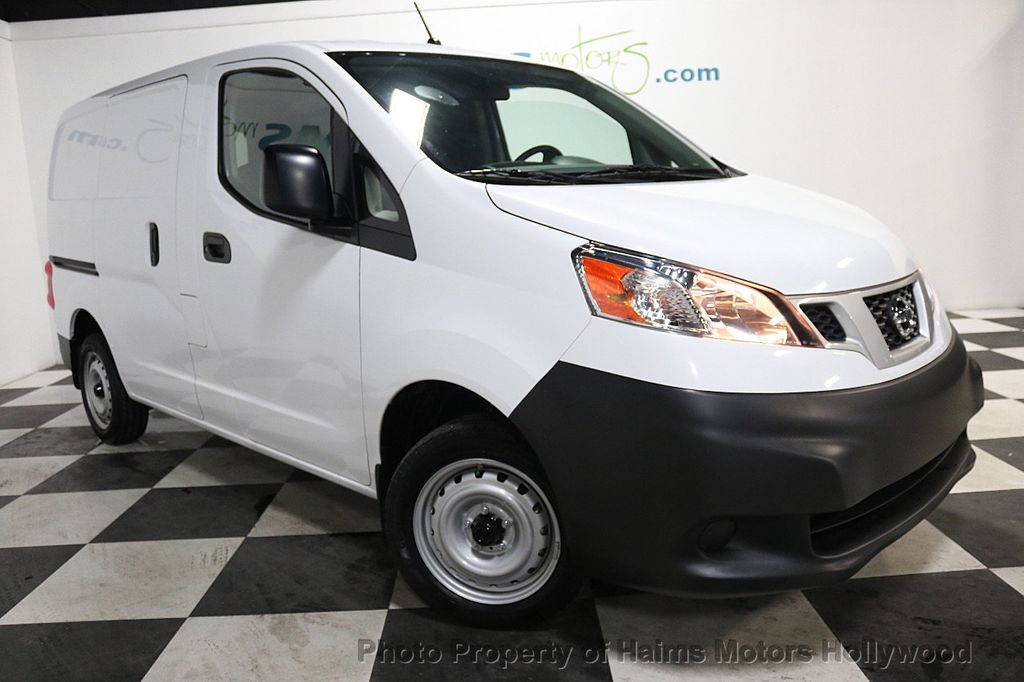 2017 Nissan NV200 Compact Cargo VERY LOW MILES - 17933784 - 3