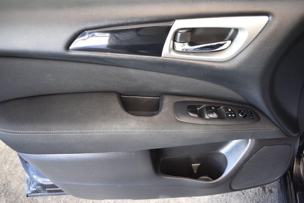 2017 Nissan Pathfinder 4x4 Platinum - 18093594 - 13
