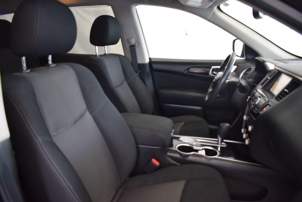 2017 Nissan Pathfinder 4x4 Platinum - 18093594 - 23