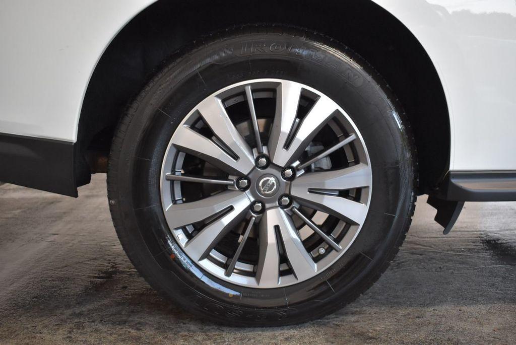 2017 Nissan Pathfinder 4x4 S - 18246531 - 9