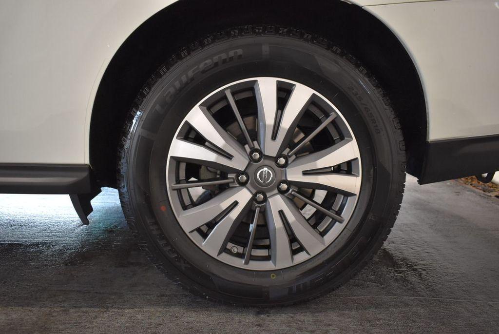 2017 Nissan Pathfinder 4x4 S - 18246531 - 10