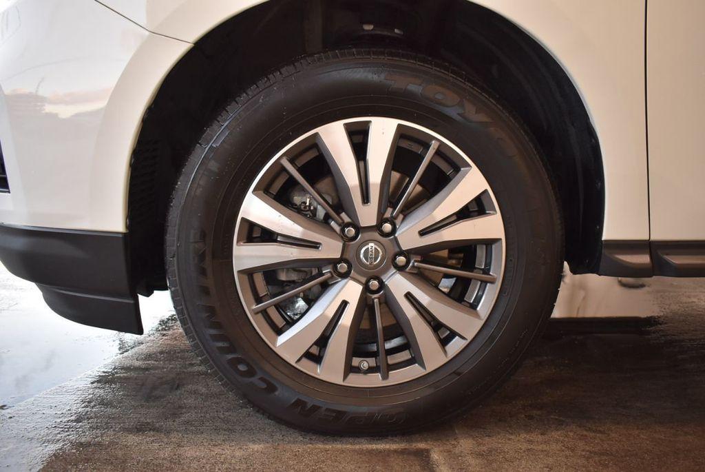 2017 Nissan Pathfinder 4x4 S - 18246531 - 11