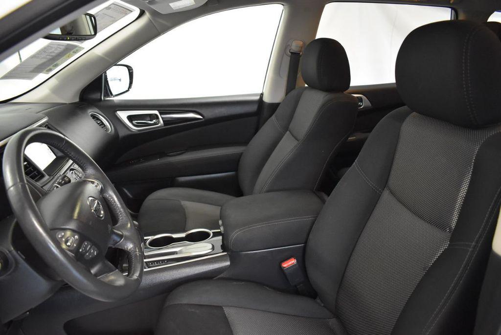 2017 Nissan Pathfinder 4x4 S - 18246531 - 14