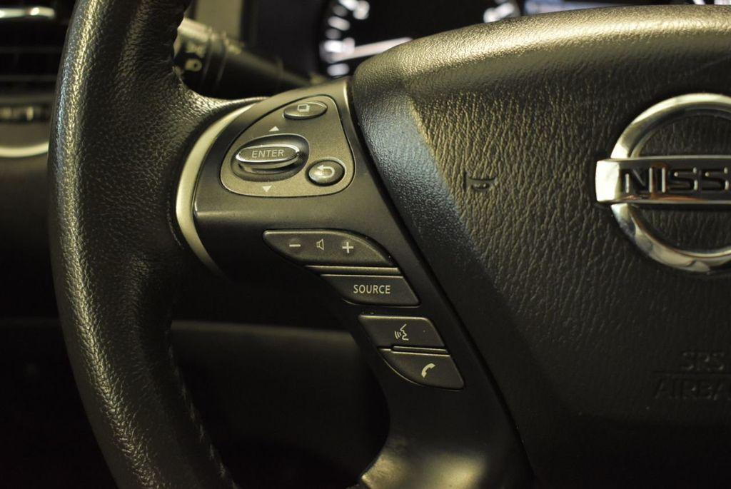 2017 Nissan Pathfinder 4x4 S - 18246531 - 19