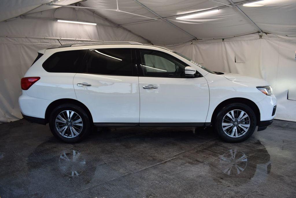 2017 Nissan Pathfinder 4x4 S - 18246531 - 2