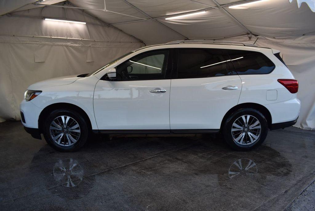 2017 Nissan Pathfinder 4x4 S - 18246531 - 4