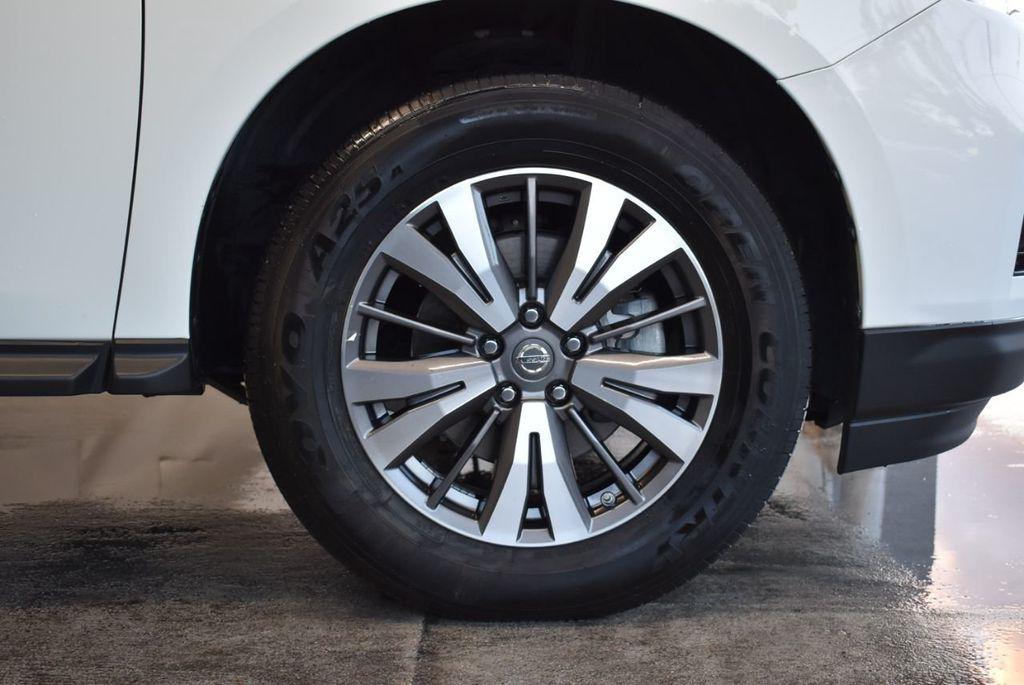 2017 Nissan Pathfinder 4x4 S - 18246531 - 8