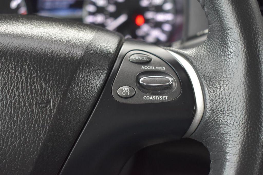 2017 Nissan Pathfinder 4x4 S - 18336087 - 17