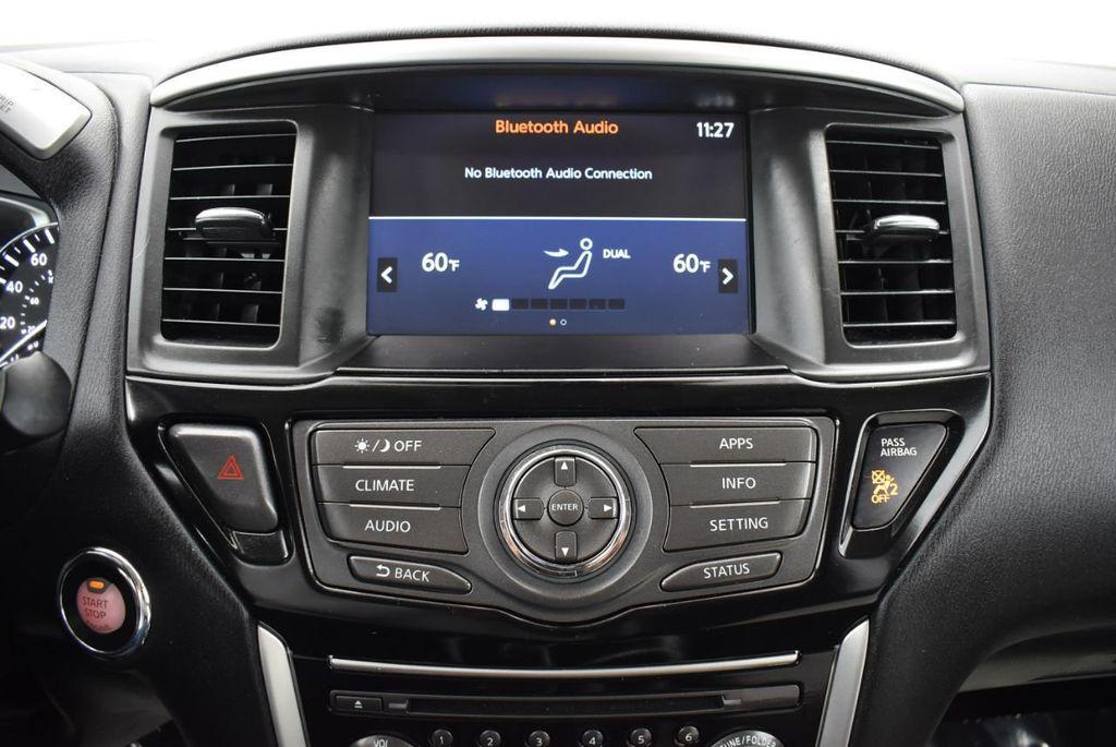 2017 Nissan Pathfinder 4x4 S - 18336087 - 19