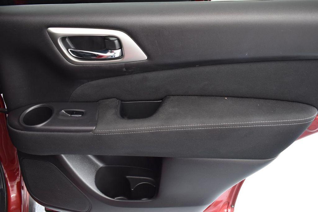 2017 Nissan Pathfinder 4x4 S - 18336087 - 23