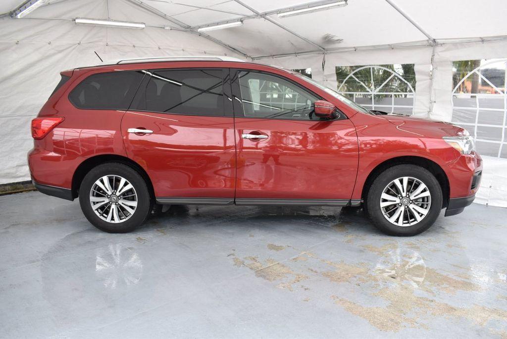 2017 Nissan Pathfinder 4x4 S - 18336087 - 2