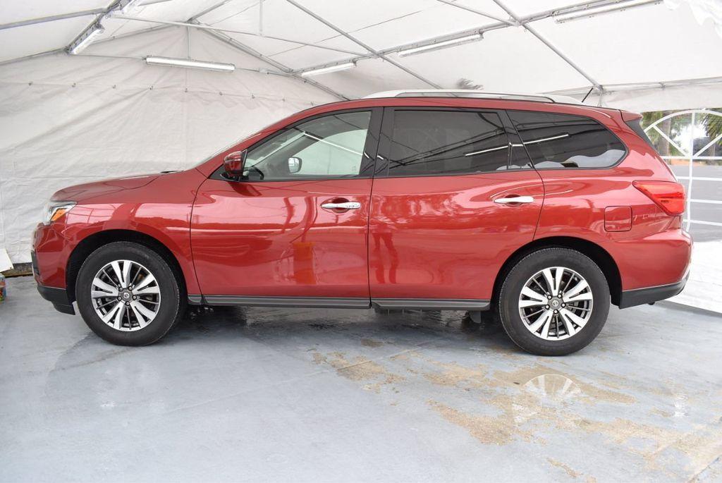 2017 Nissan Pathfinder 4x4 S - 18336087 - 4