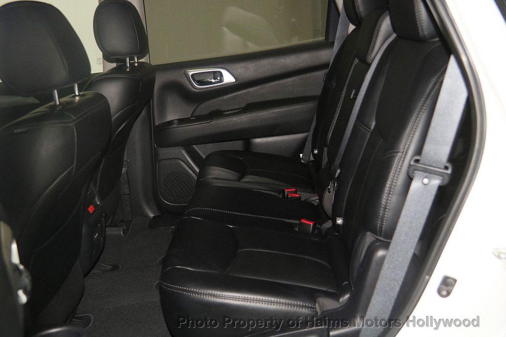 2017 Nissan Pathfinder 4x4 SL - 17297340 - 19