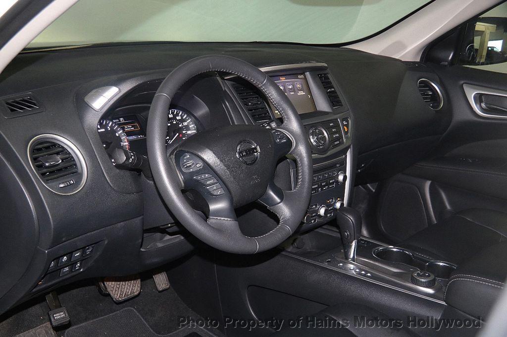 2017 Nissan Pathfinder 4x4 SL - 17297340 - 21