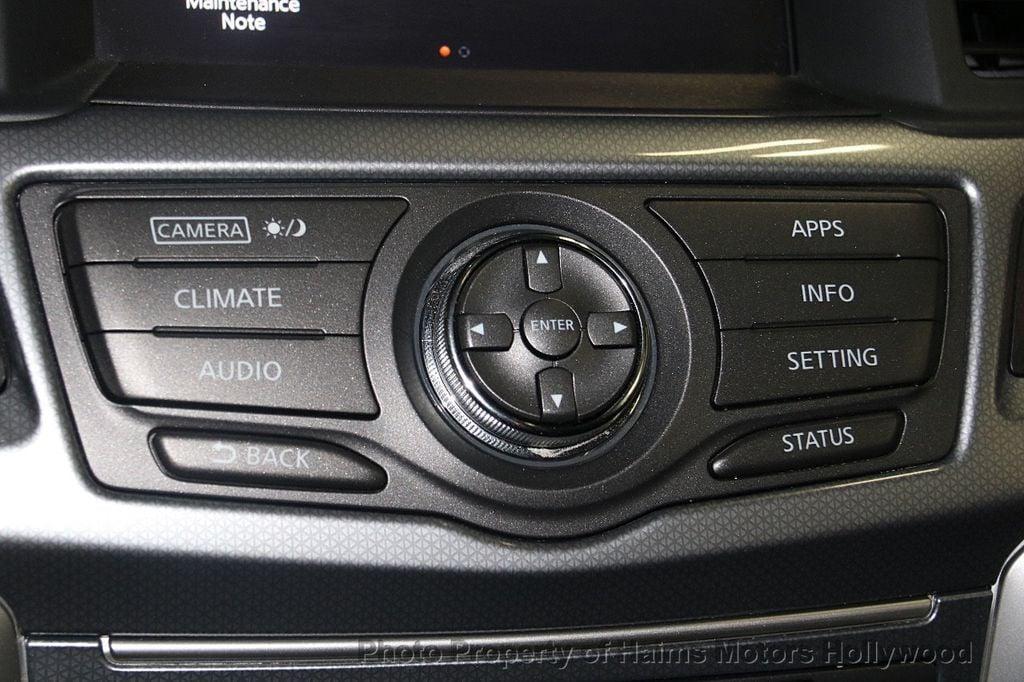 2017 Nissan Pathfinder 4x4 SL - 17297340 - 23