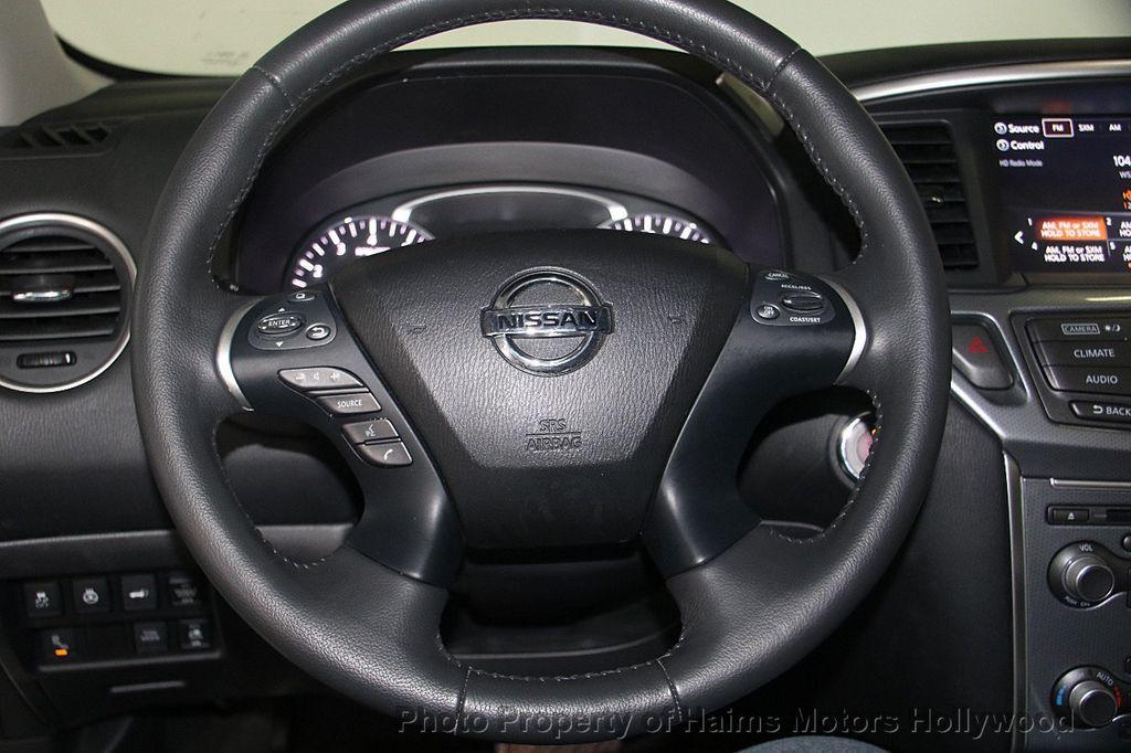 2017 Nissan Pathfinder 4x4 SL - 17297340 - 33