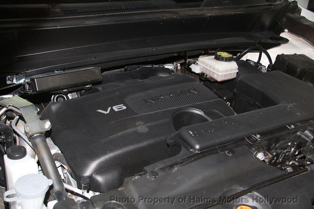 2017 Nissan Pathfinder 4x4 SL - 17297340 - 38