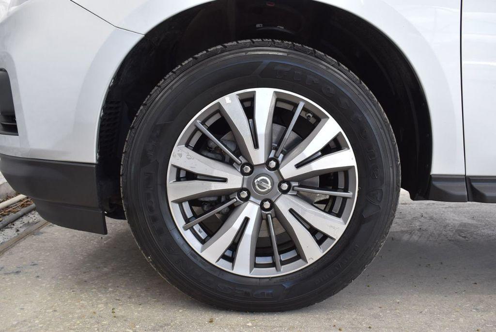 2017 Nissan Pathfinder 4x4 SV - 18497665 - 9