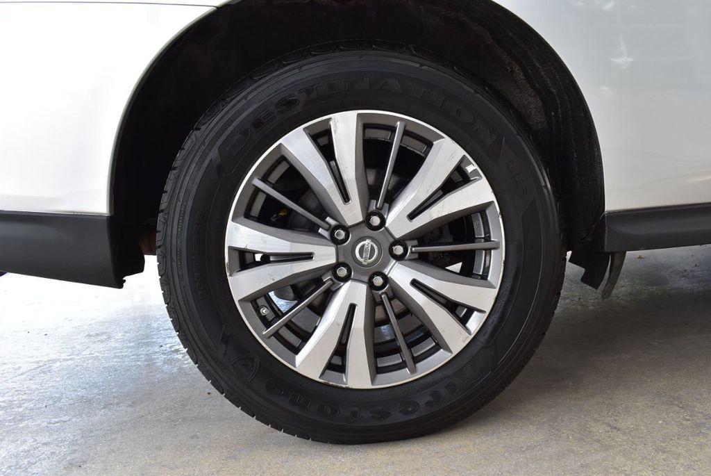 2017 Nissan Pathfinder 4x4 SV - 18497665 - 10