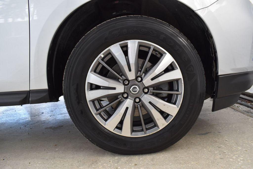 2017 Nissan Pathfinder 4x4 SV - 18497665 - 11