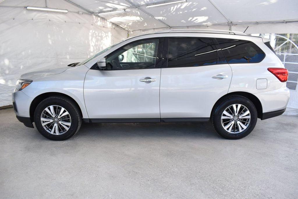 2017 Nissan Pathfinder 4x4 SV - 18497665 - 4