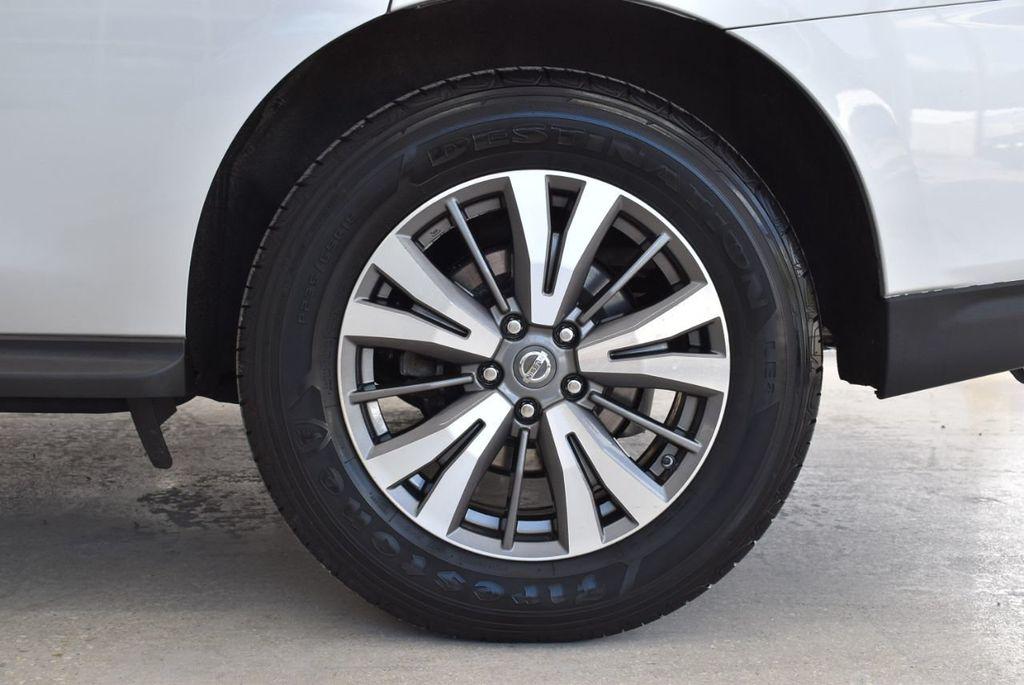 2017 Nissan Pathfinder 4x4 SV - 18497665 - 8