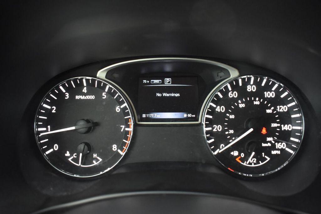 2017 Nissan Pathfinder 4x4 SV - 18439616 - 14
