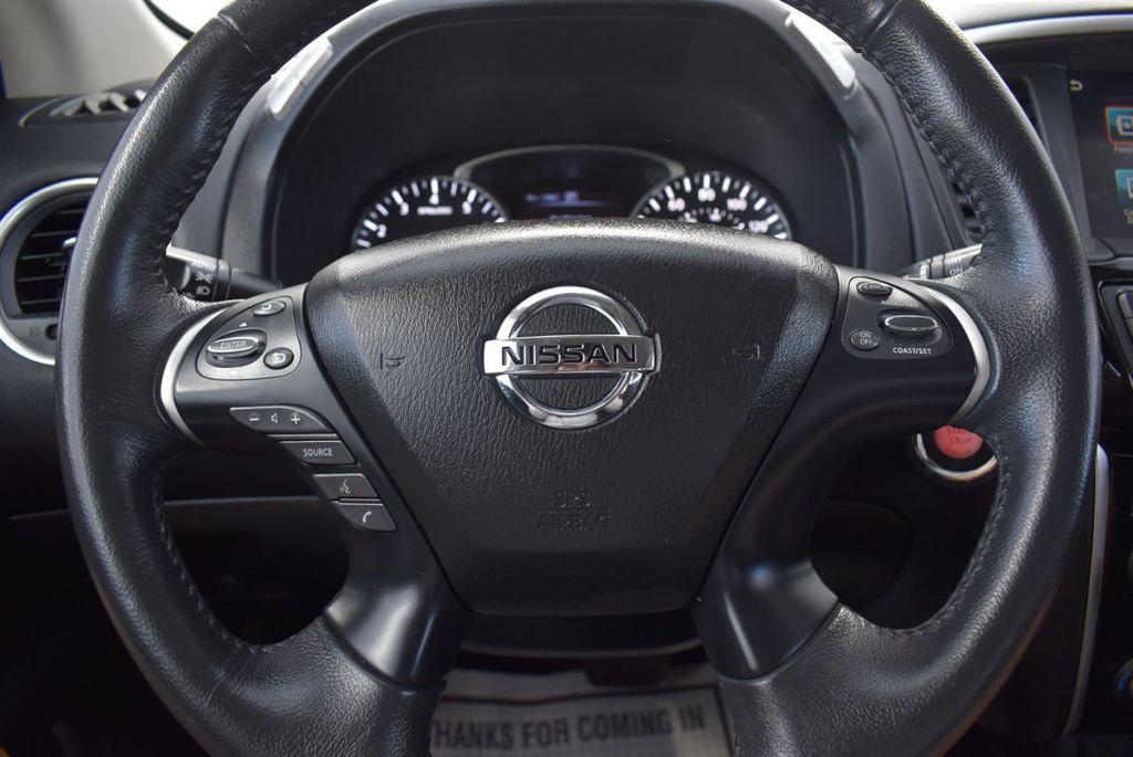 2017 Nissan Pathfinder 4x4 SV - 18439616 - 15