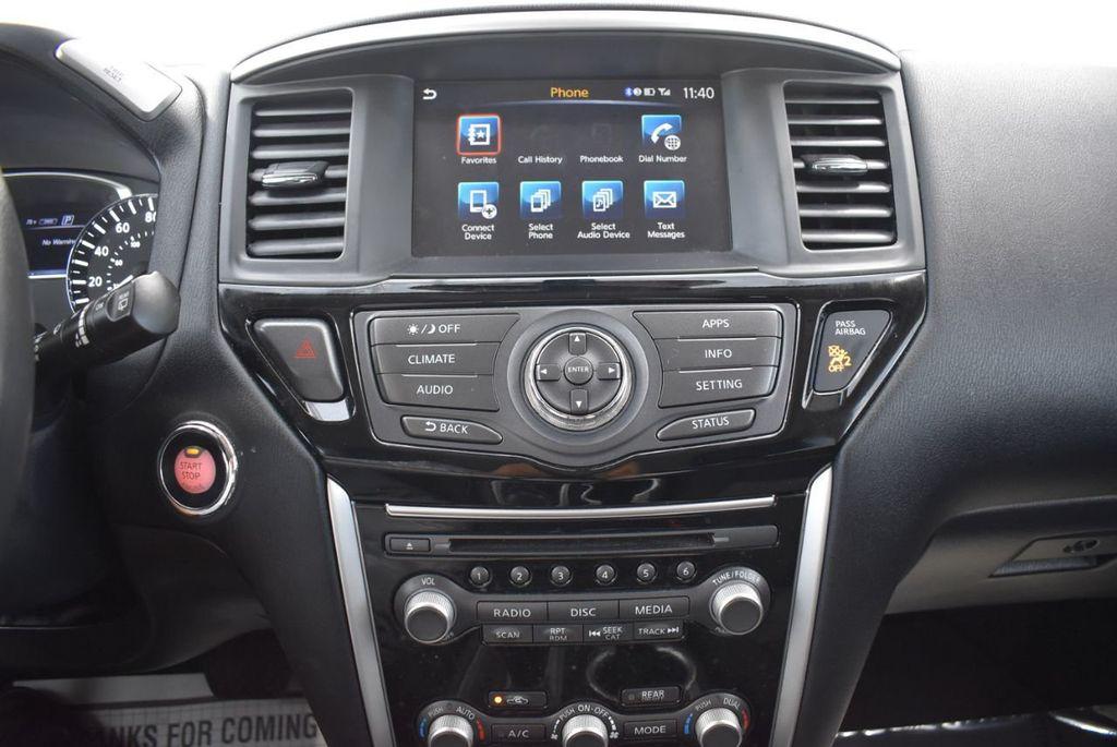 2017 Nissan Pathfinder 4x4 SV - 18439616 - 18