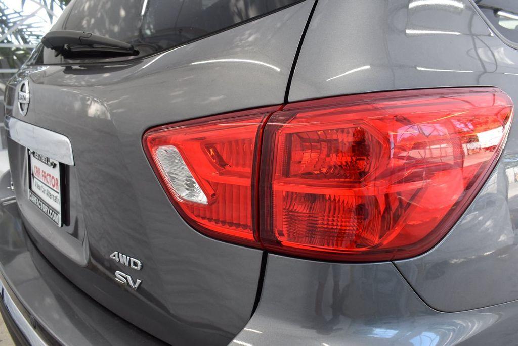 2017 Nissan Pathfinder 4x4 SV - 18439616 - 1